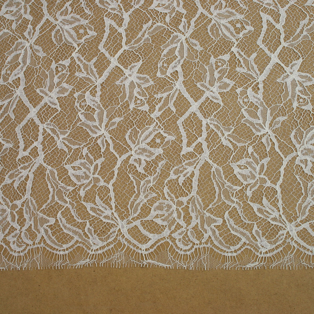 Ecru/Cream Chantilly Lace